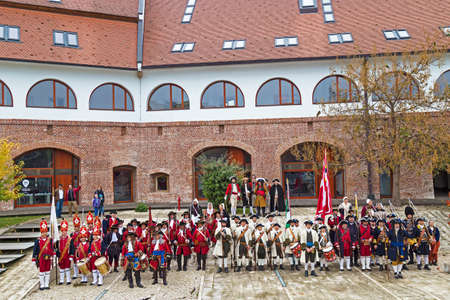 mosquetero: TIMISOARA,ROMANIA - OCTOBER 16,2016:Medieval soldiers at the bastion Maria Theresa.Show organized by City Hall Timisoara to celebrate the 300 years since the entry of Eugene of Savoy into the fortress