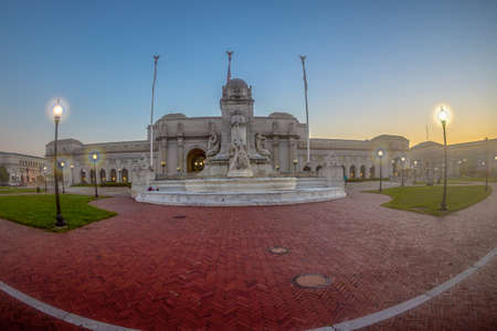 WASHINGTON DC, USA - SEPTEMBER 4, 2018: Union Station in DC on early morning time with Columbus fountain in front. The historic station opened in 1907. Editoriali