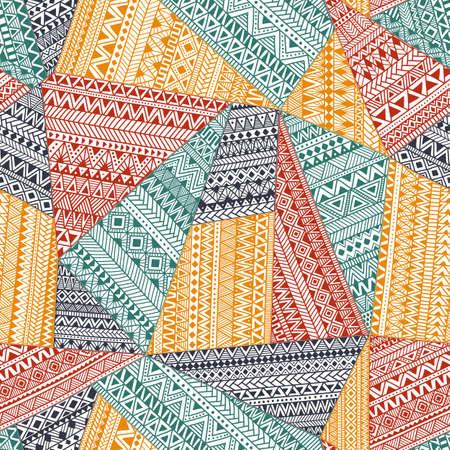 Nahtloses Muster im Patchwork-Stil. Ethnische und Stammesmotive. Ein komplexes Ornament von Hand gezeichnet. Doodle-Muster aus bunten Dreiecken.