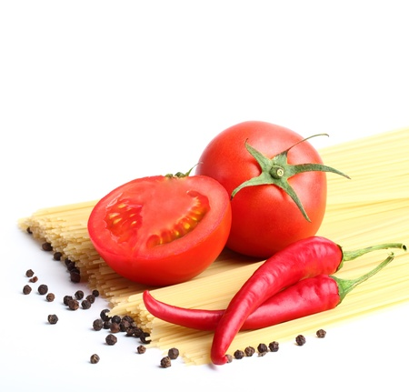 sause: ingredients for tomatoe sause and spagetti close-up