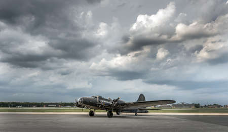American World War 2 Bomber sitting on airport  runway Stok Fotoğraf