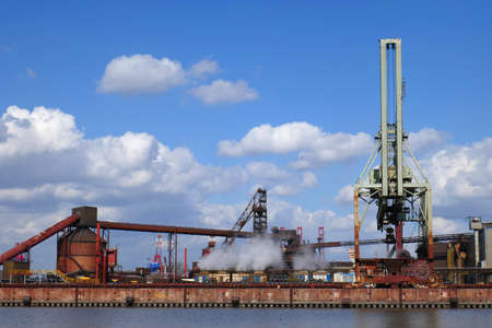 Steelworks in Hamburg Waltershof Imagens