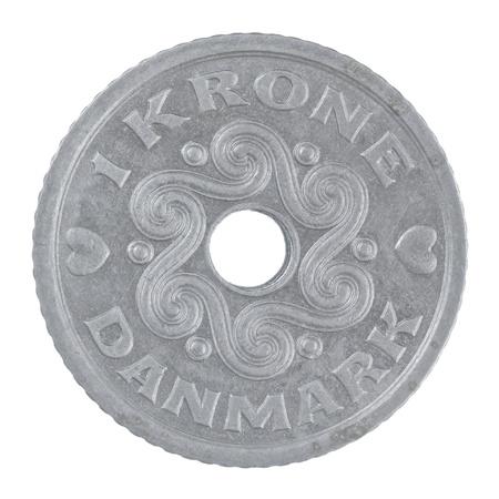 白い背景上に分離されてデンマークの 1 クローネ硬貨のショットを閉じる