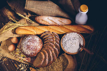 Whole wheat bread and home cooking ingredients that are healthy and nutritious.