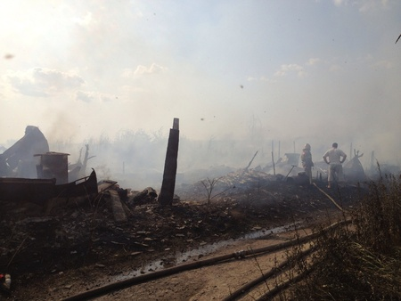 burning house: Strong fire outside the city