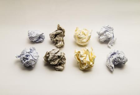 Boules de papier froissé - image haute résolution