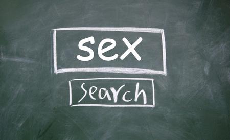 interface Web de recherche sexe dessinée à la craie sur le tableau noir Banque d'images