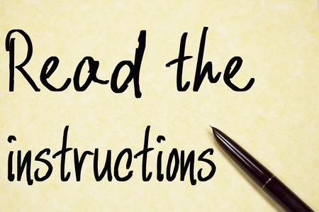 instrucciones: leer la escritura instrucciones de texto en papel