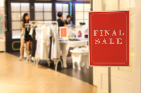 final sale sign at shop Stock Photo