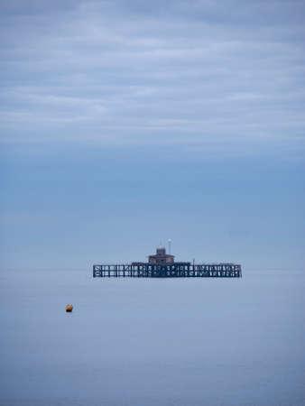 De baai oude pijler van Herne, Kent, het UK