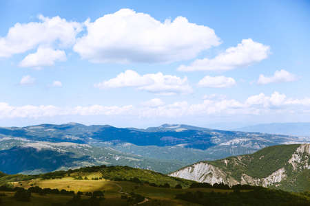 Beautiful view of green alpine meadows Georgia, Europe. Caucasus mountains landscape. Beauty world. Travel Stockfoto