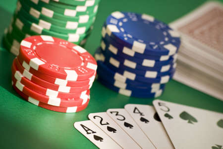 straight flush: Poker game straight flush, chips and deck of cards