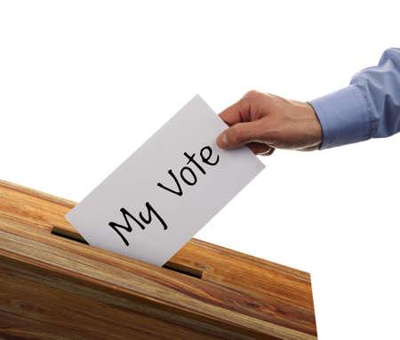 political system: Urna con quien ha emitido mi voto en una papeleta de voto
