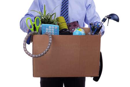 articulos oficina: Concepto de desempleo, disparó el hombre con los objetos personales en una caja