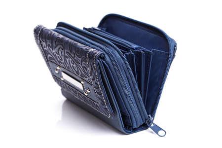 Blauw lederen portemonnee op wit wordt geïsoleerd