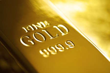 lingotes de oro: Barra del lingote de oro o lingotes Foto de archivo
