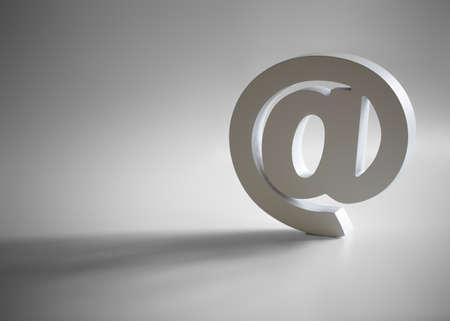 Gölge ve kopya alanı ile Beyaz e-posta @ sembolü Stok Fotoğraf