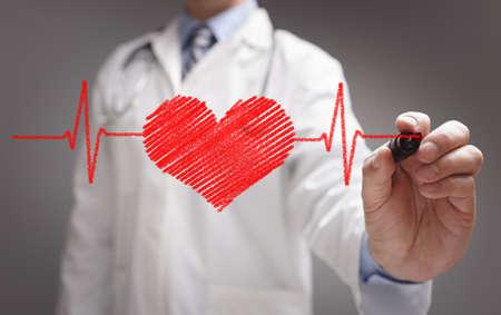 Carta del gráfico de los latidos del corazón del ecg con el marcador en concepto de pizarra para la salud y la medicina médico Foto de archivo