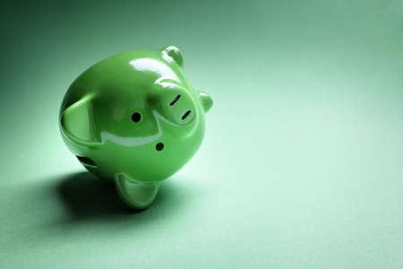Piggy Bank überfallen mit Geld Geld Probleme und kopieren Platz