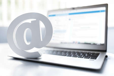 Email symbol on business laptop computer concept for internet, contact us and e-mail address Banque d'images