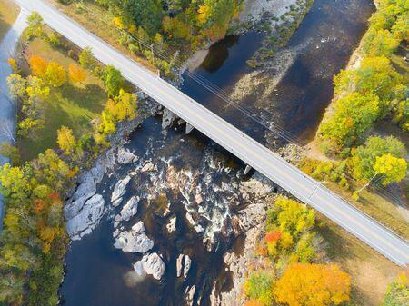 Fall Foliage Along a Creek in New Hampshire, USA Stok Fotoğraf