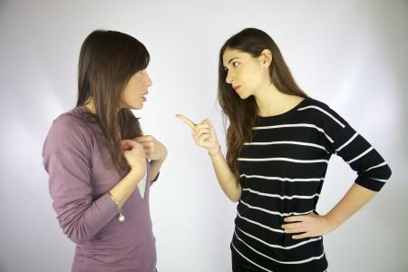 argument: Meisje bespreken en vechten met elkaar Stockfoto