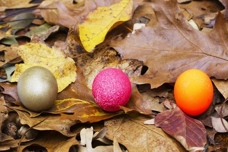 diversify: Nest eggs of different colors typify increasing choices for pension and retirement portfolios Stock Photo