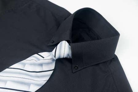 neckband: Tie on Shirt