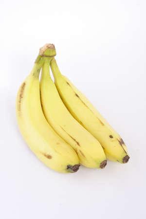 Tros bananen op een witte achtergrond