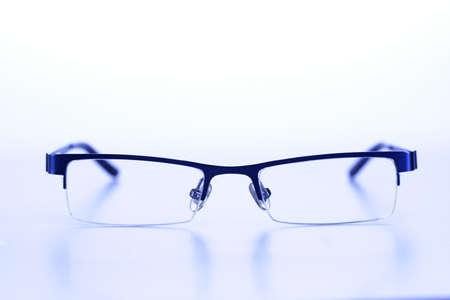 Bril geïsoleerd op wit Stockfoto