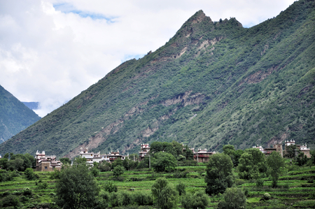 lamaism: Tibetan village near the mountain