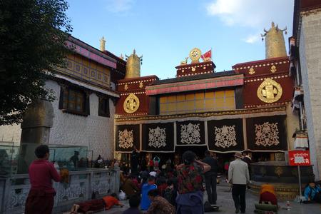 cloister: Jokhang Temple