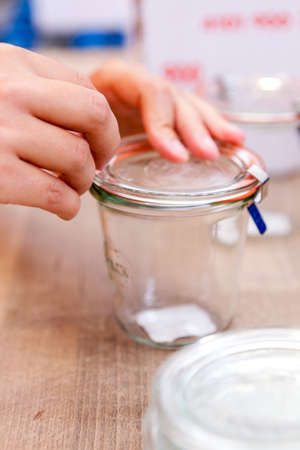 bottling: dispatch bottling jar