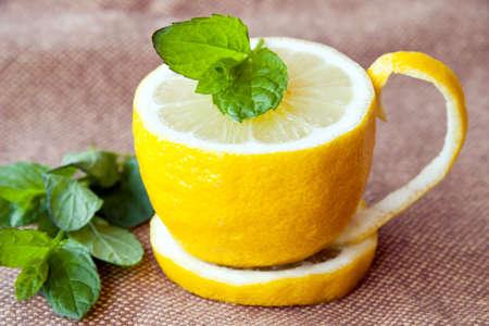 jus de citron: Th� au citron Banque d'images