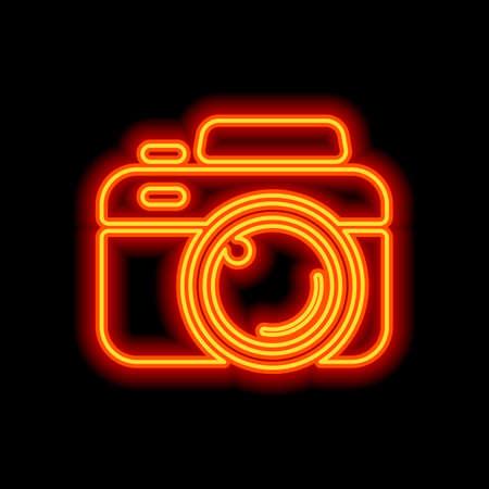 Macchina fotografica, icona semplice. Stile neon arancione su sfondo nero. Icona della luce