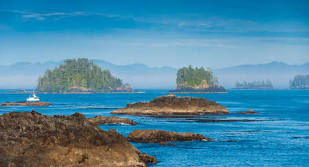 vancouver island: The Wild Pacific Trail located in the District of Ucluelet with the rugged cliffs and shoreline of the westcoast of Vancouver Island, Canada.