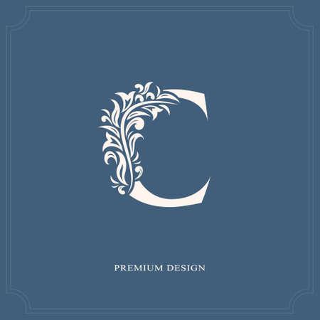 Elegante letra C. Elegante estilo real. Hermoso logotipo caligráfico. Vintage emblema dibujado para diseño de libro, marca, tarjeta de visita, restaurante, boutique, hotel. Ilustración vectorial Logos