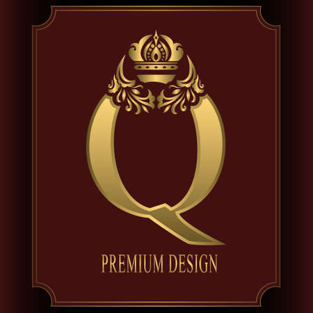 Gold Letter Q with Crown. Graceful Royal Style. Calligraphic Beautiful Logo. Vintage Drawn Emblem for Book Design, Brand Name, Business Card, Restaurant, Boutique, Crest, Hotel. Vector illustration Ilustração