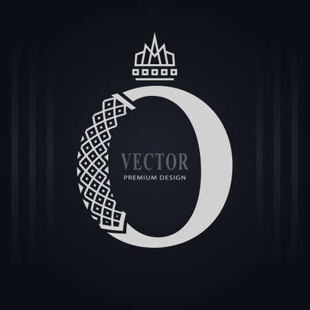 Elegant Capital letter O. Graceful Royal Style. Creative Calligraphic Beautiful Logo. Vintage Drawn Emblem for Book Design, Brand Name, Business Card, Restaurant, Boutique, Hotel. Vector illustration Stock Illustratie