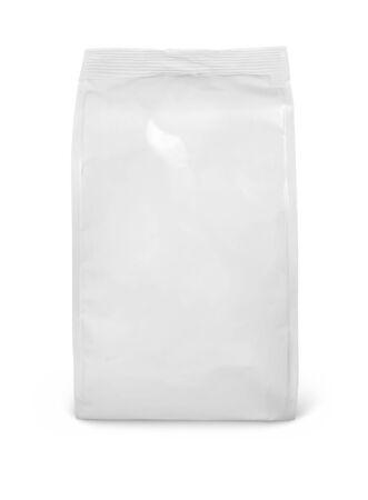 Widok z przodu pustego opakowania papierowej torby z przekąskami na białym tle