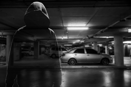 ladrón de coches en el estacionamiento (concepto penal)