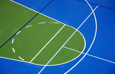 terrain de basket: Cour de basket-ball  Banque d'images