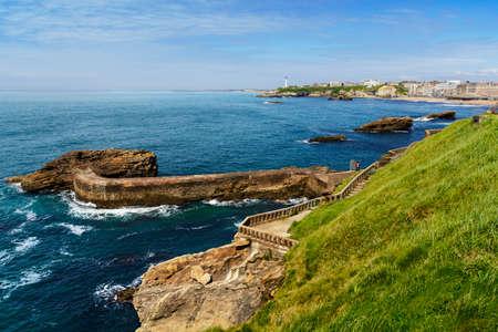 sunny day: Costa de Biarritz Durante un d�a soleado, Biarritz, Francia