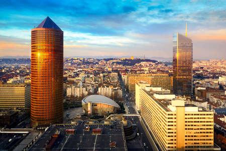 インシティとフランス リヨン市パート デュー タワー