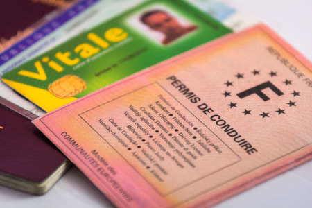 licence: French driver licence and identity paper and cards