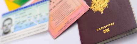 パスポートとその他のアイデンティティの紙やカード 写真素材 - 66785245