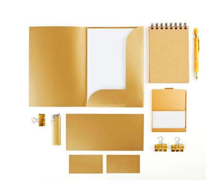 paper craft: Los elementos de identidad corporativa, identidad corporativa de oro, elementos de diseño de oro, ajuste para acomodar la identidad corporativa, la colección de la identidad corporativa, aislado en fondo blanco