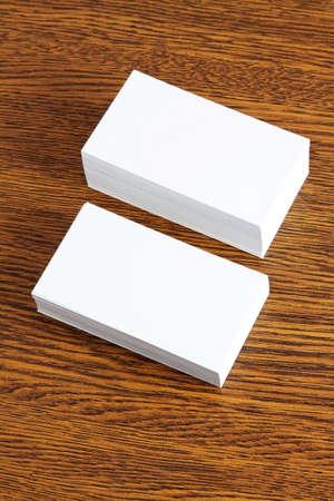 Blanks Blanc Cartes De Visite Sur Un Fond Bois La Conception