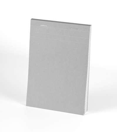 nota de papel: cuaderno gris en blanco aislado en fondo blanco