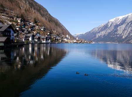 Beautiful lake and town of Hallstatt Austria in winter Stock Photo - 19294072